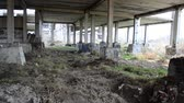 arrepiante : The abandoned and unfinished building.