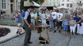 muhteşem : LVIV, UKRAINE - JULY 5, 2014: The street conjurer.