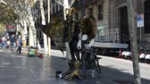 personage : BARCELONA, SPAIN - OCTOBER 18, 2013: Human statue, Barcelona.