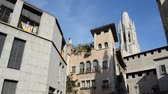 erkély : old buildings in old town of Girona, Spain.