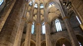 hristiyan : Interior of Santa Maria del Mar, Barcelona.