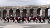 среда : MADRID, SPAIN - APRIL 04, 2018: The ceremony of the Solemn Changing of the Guard at the Royal Palace of Madrid. That is famous event was performed on the first Wednesday of each month.