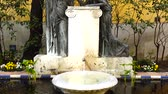 dachówka : MADRID, SPAIN - MARCH 27, 2018: The fountain in the yard of the house-museum of Sorolla. The house has been built in 1909 - 1910.