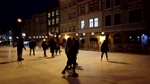 kunstschaats : People skate on a rink. Stockvideo