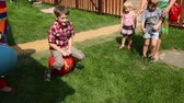 peruca : Fun games with an inflatable rubber ball at childrens parties