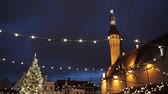 рынок : christmas tree at old tallinn town hall square