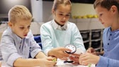 técnica : happy children learning at robotics school Stock Footage