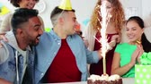 fajerwerki : team greeting colleague at office birthday party Wideo