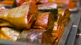 montão : smoked fish on tray