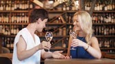 champanhe : happy women drinking wine at bar or restaurant