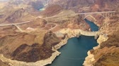 estados : aerial view of hoover dam at grand canyon Vídeos