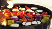 jedzenie : vegetables cooking on barbecue grill Wideo