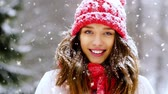 вязать : portrait of happy smiling woman outdoors in winter