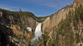 bystřina : Lower Falls in Yellowstone National Park, Wyoming, USA