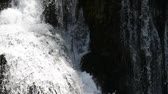 bach : waterfal in der Natur Stock Footage