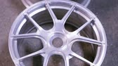 деталь : alloy rims in production
