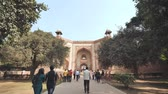 mausoléu : Delhi, India - November 28, 2018: The complex of buildings Humayuns tomb which is a World Heritage architecture.