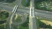 зрелище : Aerial View of Roadway, Traffic, Cars Стоковые видеозаписи