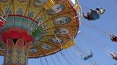 karnaval : Spinning, Amusement Park Rides, Fun, Leisure