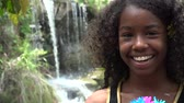 geur : Afrikaanse Teen Girl at Waterfall
