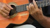 poignet : Hands Playing Guitar Acoustic