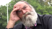 belirsiz : Old Bearded Man Thinking Stok Video