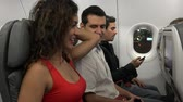 коммутирующих : Man And Woman Airplane Passengers