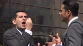 sakatlık : Man Misunderstands Deaf Man Using Sign Language Stok Video