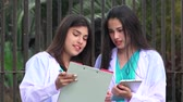 carreira : Young Female Medical Professionals
