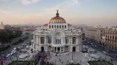 artes : time-lapse of the impressive bellas artes building in mexico city as day turns to night Vídeos