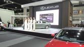 sala de exposição : Bangkok, Thailand - December,10  2018 : People visit new car model at Thailand International Motor Expo 2018 MOTOR EXPO 2018 on Dec 10,2018 in Bangkok, Thailand