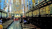 fresk : KRAKOW, POLAND - JUNE 11, 2018: The centra nave and apse of Neo-Gothic St Mary Basilica with carved furniture, ornate altar and masterpiece painted decorations, on June 11 in Krakow.
