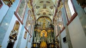 мадонна : CZESTOCHOWA, POLAND - JUNE 12, 2018: The prayer hall of Basilica of Holy Cross and Nativity of Mary of historic Jasna Gora Monastery, on June 12 in Czestochowa.