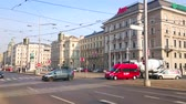 vídeň : VIENNA, AUSTRIA - FEBRUARY 18, 2019: The urban scene in Schwarzenberg Square with fast traffic, modern trams and Classical buildings, on February 18 in Vienna.