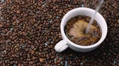 боб : Coffee bean brewed