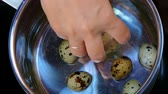 egg cooker : put quail eggs in a pot of water