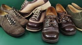 osoba : Group of comfortable shoes with lacing for women 1960 - 1970s Wideo