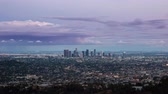 heilig abend : Downtown Los Angeles Tag zur Nacht Vom Griffith Park Stock Footage