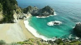 estado : McWay Falls, Julia Pfeiffer Burns State Stock Footage