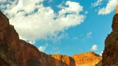 ocidental : Time Lapse of Clouds Moving Over the Grand Canyon