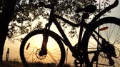 bisikletçi : Beautiful close up scene of bicycle at sunset