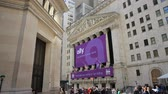 yeni : The New York Stock Exchange Wide Shot Stok Video