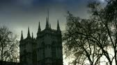 inglaterra : Silhouette locked off shot of Westminster Abbey church in Westminster, London, England. Subtle clouds in sky. Shot on 1080p HDV.- Vídeos