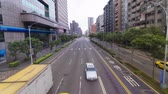 Trafic intense à Taipei, district de Xinyi, Taiwan Vidéos Libres De Droits