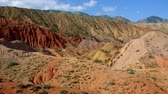sprookje : Fairy Tale Canyon, rock formations on the Issyk-Kul lake. Kyrgyzstan.Central Asia Stockvideo