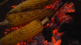 streetfood : Grilled corn on the hot stove