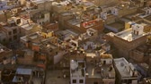 roi : View on jaipur pinkcity with colorful facades and details from hill of temple Vidéos Libres De Droits