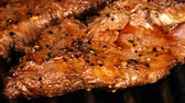marináda : UHD shot of juicy Mexican style marinated beef steak on the grill