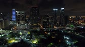 точка зрения : Miami night aerial backfly establishing shot