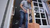 shipping : man recieve a delivery box Stock Footage